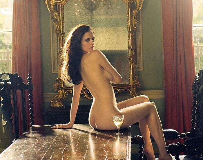 Angelina jolie nude in