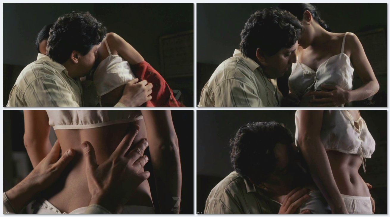 Salma hayek hot kiss